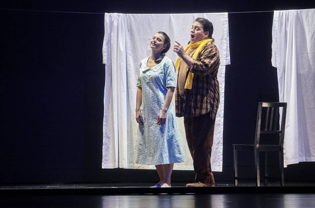 Bühnenfoto von der Oper Rigoletto